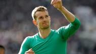 Hradecky bleibt weitere Saison in Frankfurt