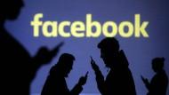 Wie umgehen mit Hasskommentaren bei Facebook?