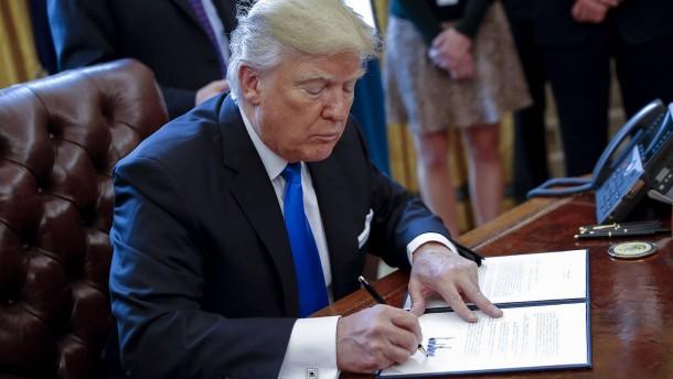 Trump macht Obamas Pipeline-Stopp rückgängig