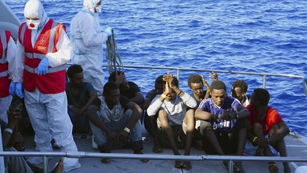 """""""Open Arms"""" darf spanischen Hafen ansteuern"""