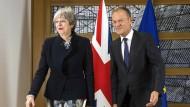 Die britische Premierministerin Theresa May und der EU-Ratspräsident Donald Tusk am Montag bei Gesprächen in Brüssel