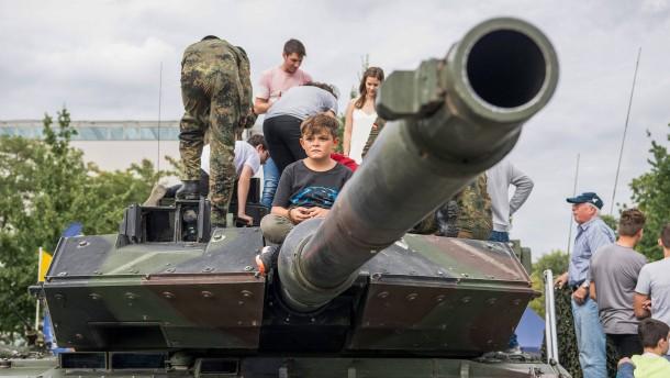 Greenpeace: Rüstungsindustrie soll Beatmungsgeräte herstellen