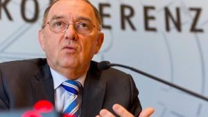 Walter-Borjans will Geld von herrenlosen Konten