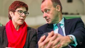 AKK dämpft Merz' Ambitionen auf Ministerposten