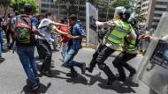 Ausschreitungen bei Protesten gegen Präsident Maduro