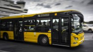 Der TXL verkehrt alle sechs Minuten von sechs bis 23 Uhr – und transportiert täglich zwanzig- bis dreißigtausend Gäste.
