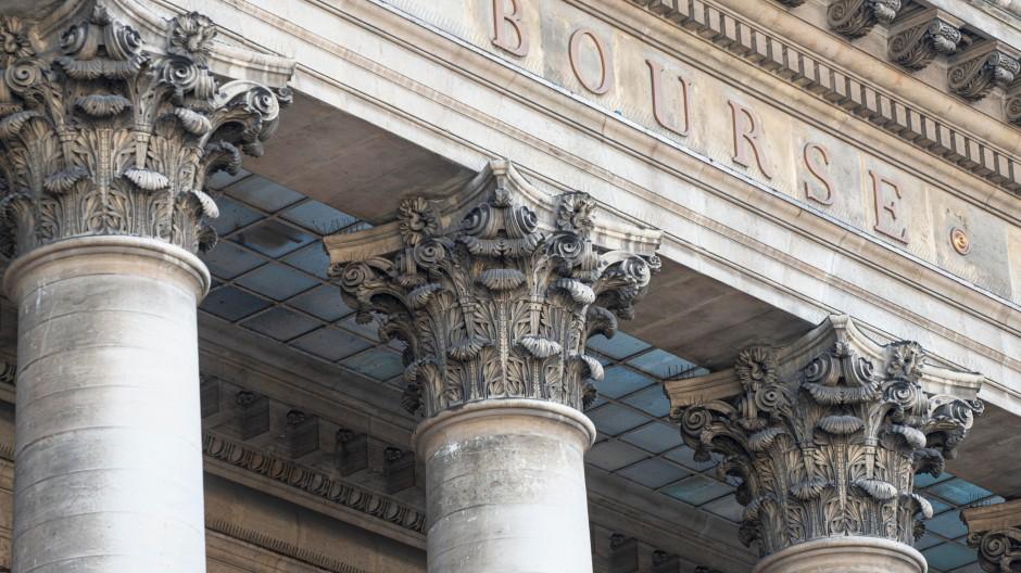 Blick auf den Palace Brongniart, den historischen Sitz der Pariser Börse