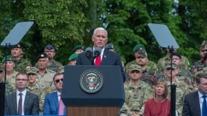 Vizepräsident Pence verspricht baltischen Staaten Beistand