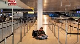 Bundesregierung rät von allen nicht notwendigen Auslandsreisen ab