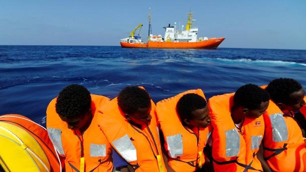 """Rom schiebt Verantwortung für """"Aquarius""""-Migranten von sich"""