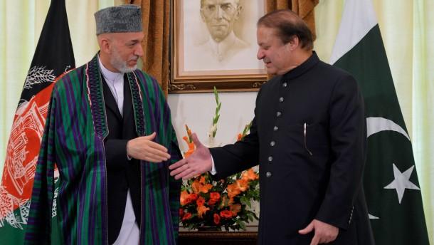 Karzai ersucht Pakistan um Hilfe