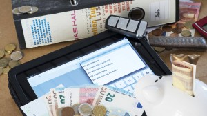Kein lästiger Papierkram mehr: Die meisten digitalen Versicherungen stammen bisher aus dem Bereich der Risiko- und Sachversicherungen.
