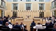 Wird das Vorhaben der Bundesregierung, Tunesien, Algerien und Marokko als sichere Herkunftsländer auszuweisen, im Bundesrat scheitern?