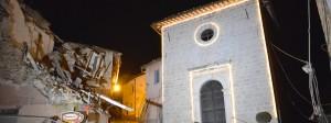 Die Kirche steht noch: Castelsantangelo sul Nera nach den Erdbeben.