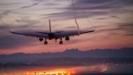 Ein Airbus im Landeanflug auf Zürich: Droht der europäische Flugzeugbauer im Handelsstreit zwischen Amerika und Kanada zwischen die Fronten zu geraten?