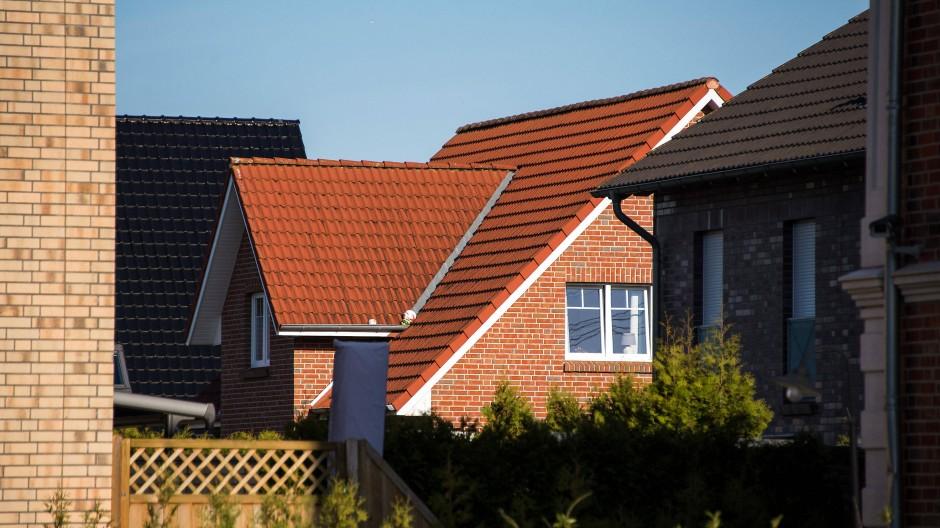 Einfamilienhaus aus Backstein: der klassische Baustil im Norden Deutschlands, wie hier in Schleswig-Holstein.