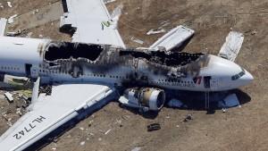 Bruchlandung einer Boeing 777 fordert zwei Opfer