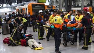 Dutzende Verletzte bei Zugunglück in Barcelona