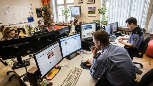 Polizei geht bundesweit gegen Internethetzer vor