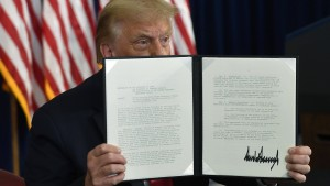 Trump ordnet Teile des Konjunkturpakets ohne Parlamentsbeteiligung an