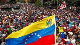 Zahlreiche Staaten erkennen Guaidó als Übergangspräsidenten an