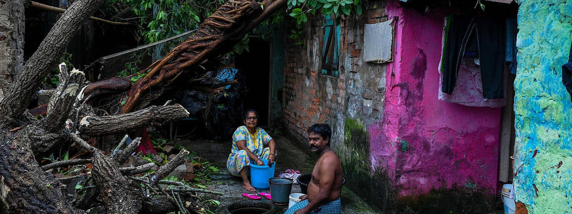 Aufräumarbeiten beginnen in Indien und Bangladesch
