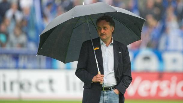 Abstiegskampf mit Neururer: Im Regen. . .