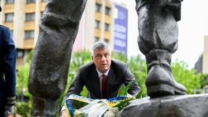 Die Mauer des Schweigens um Hashim Thaçi