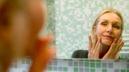 Wer Glück sucht, sollte sich vom Spiegel abwenden
