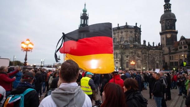 3000 Menschen bei Corona-Protest in Dresden