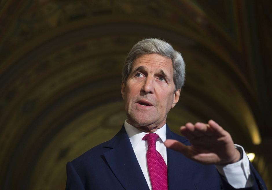 Amerikas Außenminister John Kerry kündigt an, sein Land werde mehr Flüchtlinge aus Syrien aufnehmen.