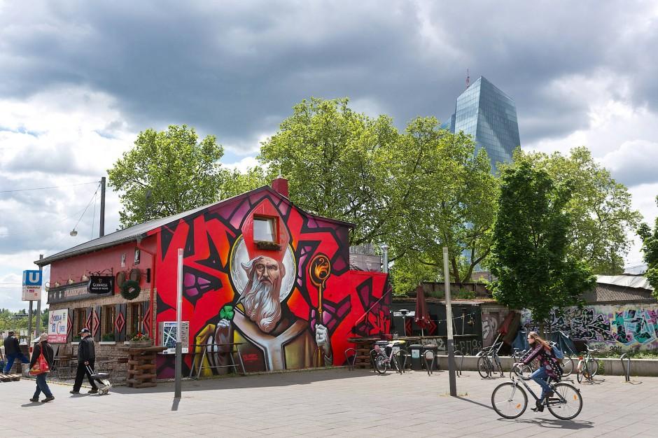 wandbilder die mit gew hnlichen graffiti nur noch wenig zu tun haben. Black Bedroom Furniture Sets. Home Design Ideas