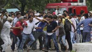 Hunderte Festnahmen nach Unruhen um Guru-Urteil