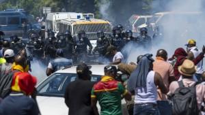 Heftige Proteste gegen Kameruns Präsidenten in Genf