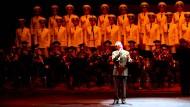 Skyfall gesungen vom Alexandrow Ensemble