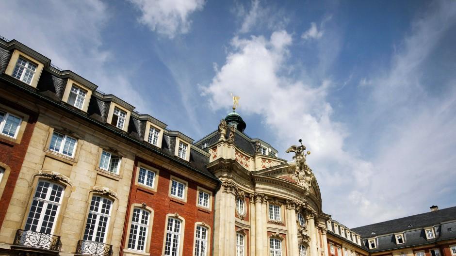 Soll der Name geändert werden? Seit 1907 trägt die Universität Münster den Namen des letzten deutschen Kaisers.