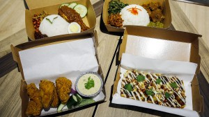 Flugzeug-Essen als Festmahl im Restaurant