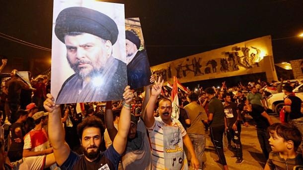 Schiitischer Prediger Sadr führt bei Parlamentswahl