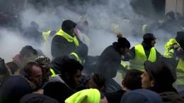 """Tränengas gegen """"Gelbwesten"""""""