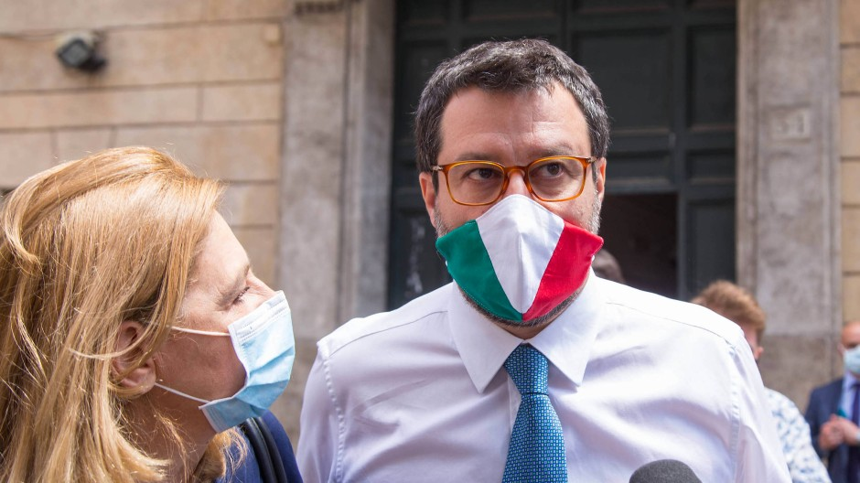 Matteo Salvini vor dem Sitz des Senats in Rom