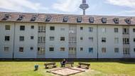 Noch viel Grün in der Platensiedlung Ginnheim: Hier sollen allerdings 700 neue Wohnungen entstehen.