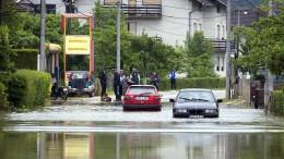 Hochwasser überrascht Menschen