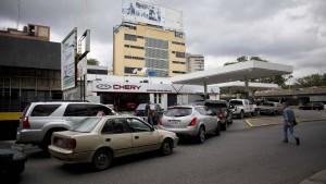 Dem ölreichsten Land geht das Benzin aus