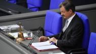 Solms warnt im Bundestag vor Ausgrenzung