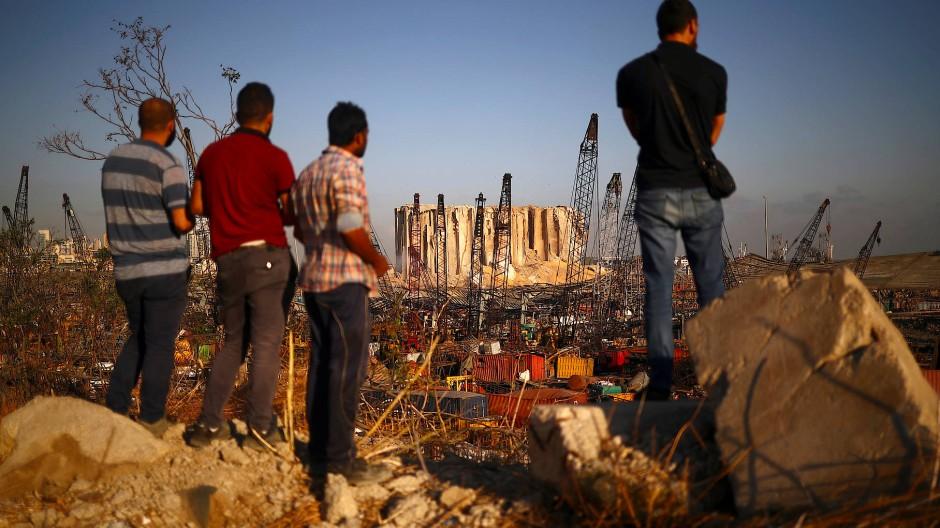 Blick auf das zerstörte Hafengelände in Beirut am 7. August