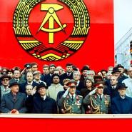 7. Oktober 1989, Ost-Berlin: Eine Militärparade zum 40. Jahrestag der Gründung der Deutschen Demokratischen Republik
