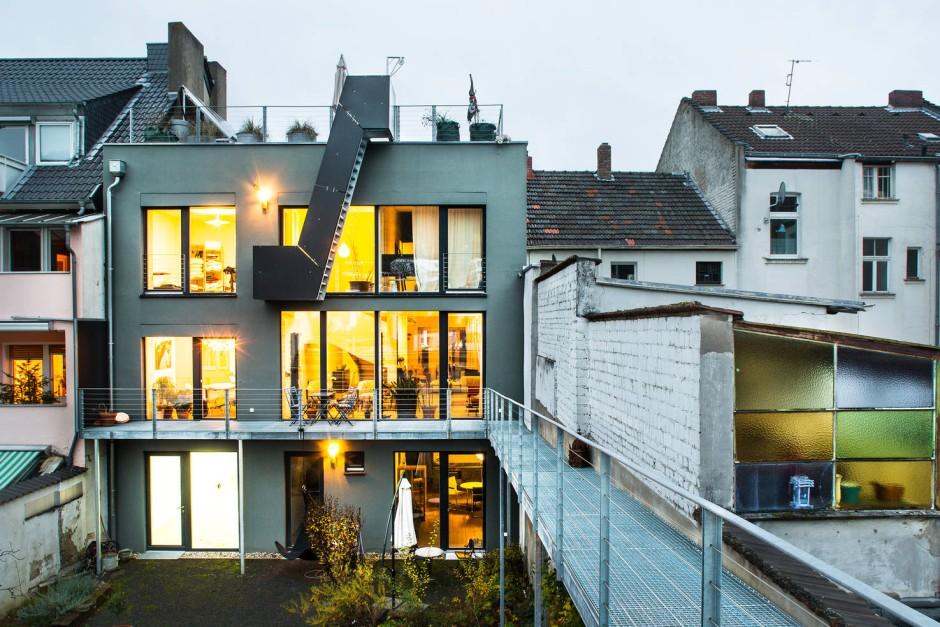 bilderstrecke zu neue h user 2012 graue eminenz der vorstadt bild 4 von 6 faz. Black Bedroom Furniture Sets. Home Design Ideas
