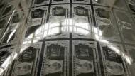 Rund 9,6 Billionen Dollar betragen die Schulden, die Unternehmen außerhalb der Vereinigten Staaten in Dollar gemacht haben.