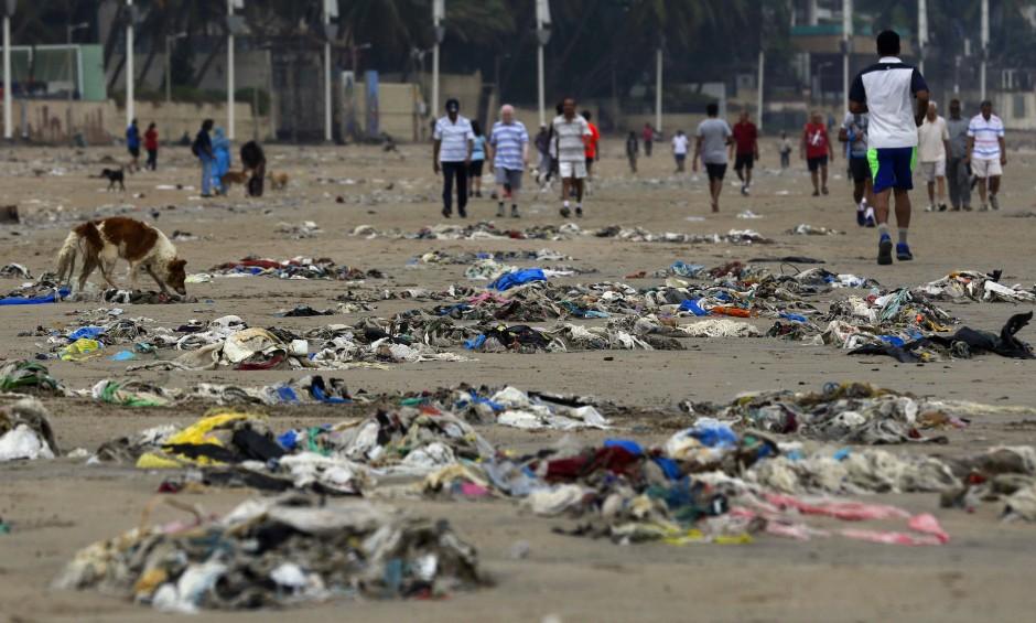 Verschmutzte Meere, verschmutzte Strände. Durch den Tourismus wird dieses Phänomen immer extremer.