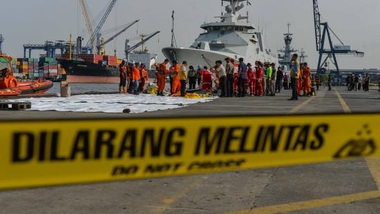 Fast 200 Tote bei Flugzeugabsturz